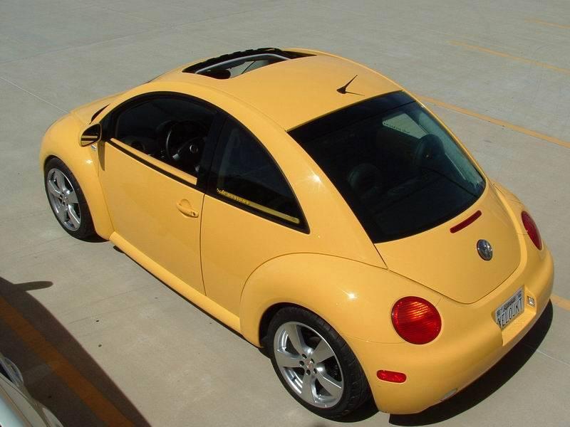 YELOJKT- 2000 reflex yellow 1.8T GLS-05_04_03_sundaymeet_34.jpg
