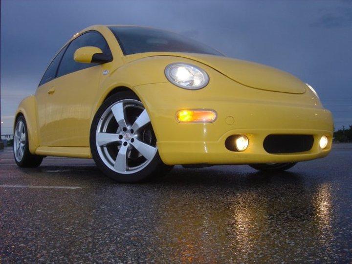 YELOJKT- 2000 reflex yellow 1.8T GLS-boeingnlot061205.jpg