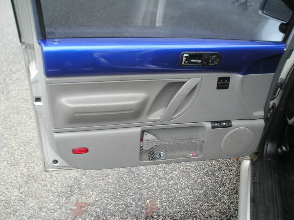 F/s 98 Beetle 2.0 5 Speed-door.jpg