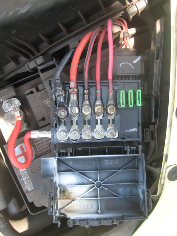 battery fuse box melting on 04 new beetle. Black Bedroom Furniture Sets. Home Design Ideas