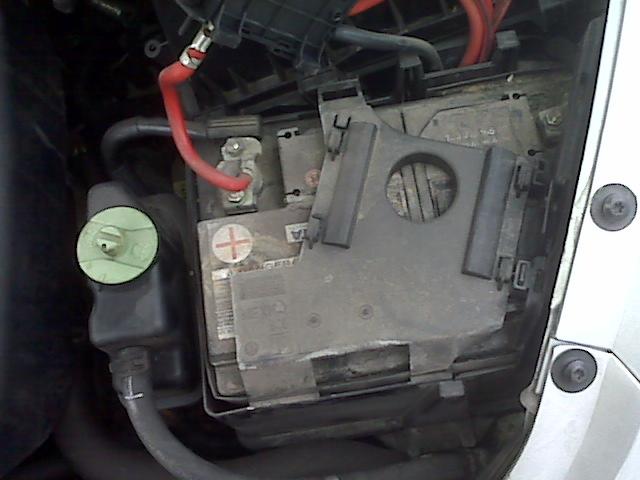 volkswagen beetle engine starter location