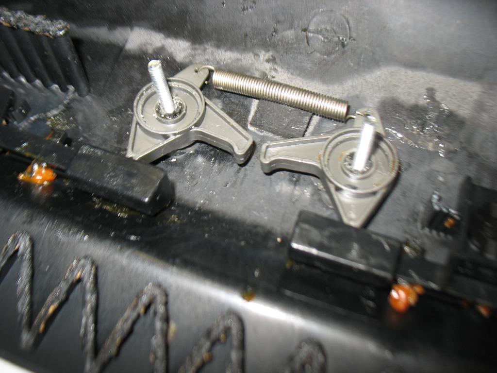 Glove Box Repair - Splitting open the door-img_3614.jpg