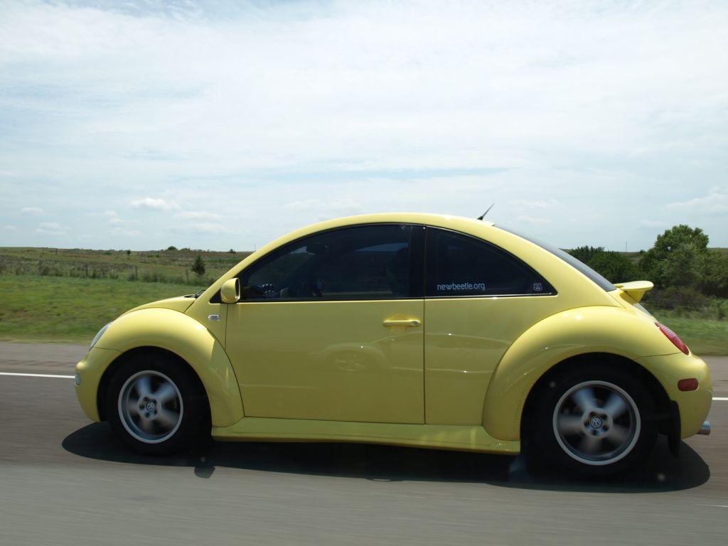 2001 yellow New Beetle