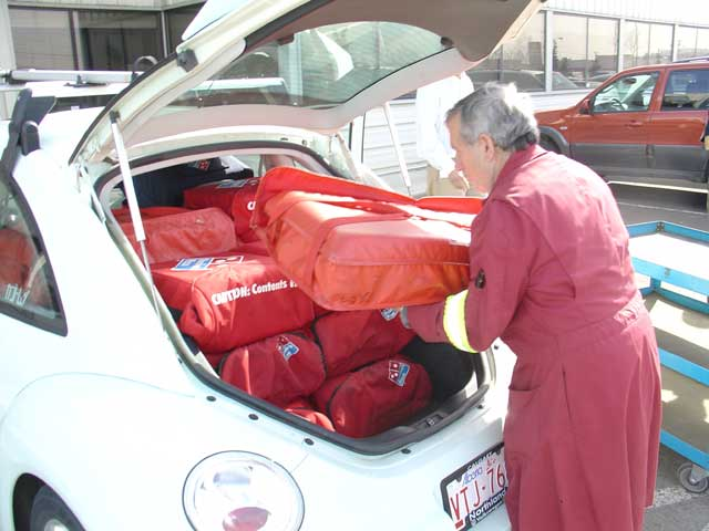 What can you fit in your bug?-pizza02.jpg
